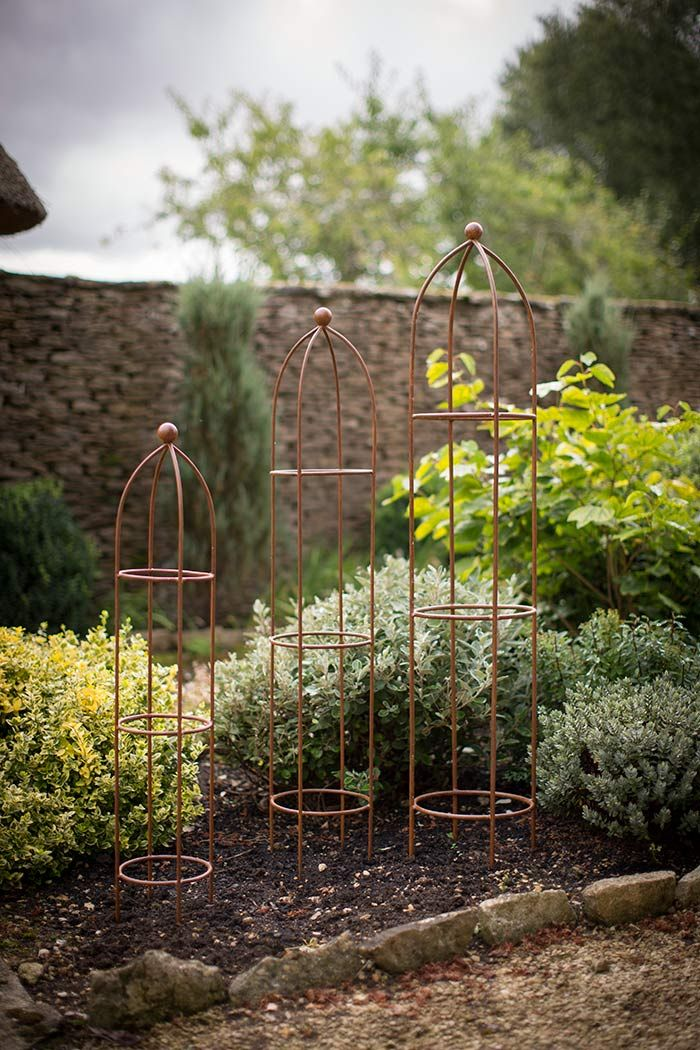 Rankhilfe metall obelisk gartendeko rankhilfe rosen for Romantische gartendeko