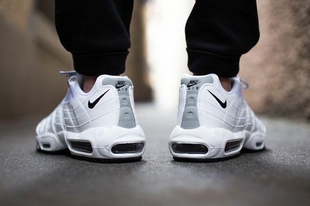 nike air max 95 white mens suit