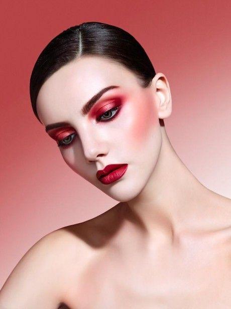 Marsala Makeup Thelatestfashiontrends Com In 2020 Monochromatic Makeup Makeup Photography Editorial Makeup