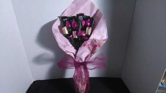 Pink handheld chocolate bouquet gift