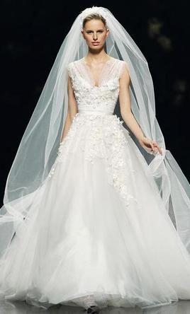 Elie Saab Denisse 13 495 Size 6 Used Wedding Dresses Wedding Dress Styles Ball Gown Wedding Dress Wedding Dresses Lace Ballgown