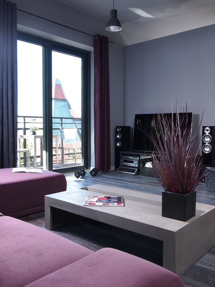graue Wandfarbe und lila Couchtisch Living Room Pinterest - wohnzimmer einrichten grau lila