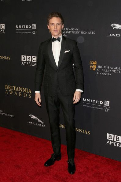 Eddie Redmayne Photos: BAFTA Los Angeles Jaguar Britannia Awards Presented By BBC America And United Airlines - Arrivals