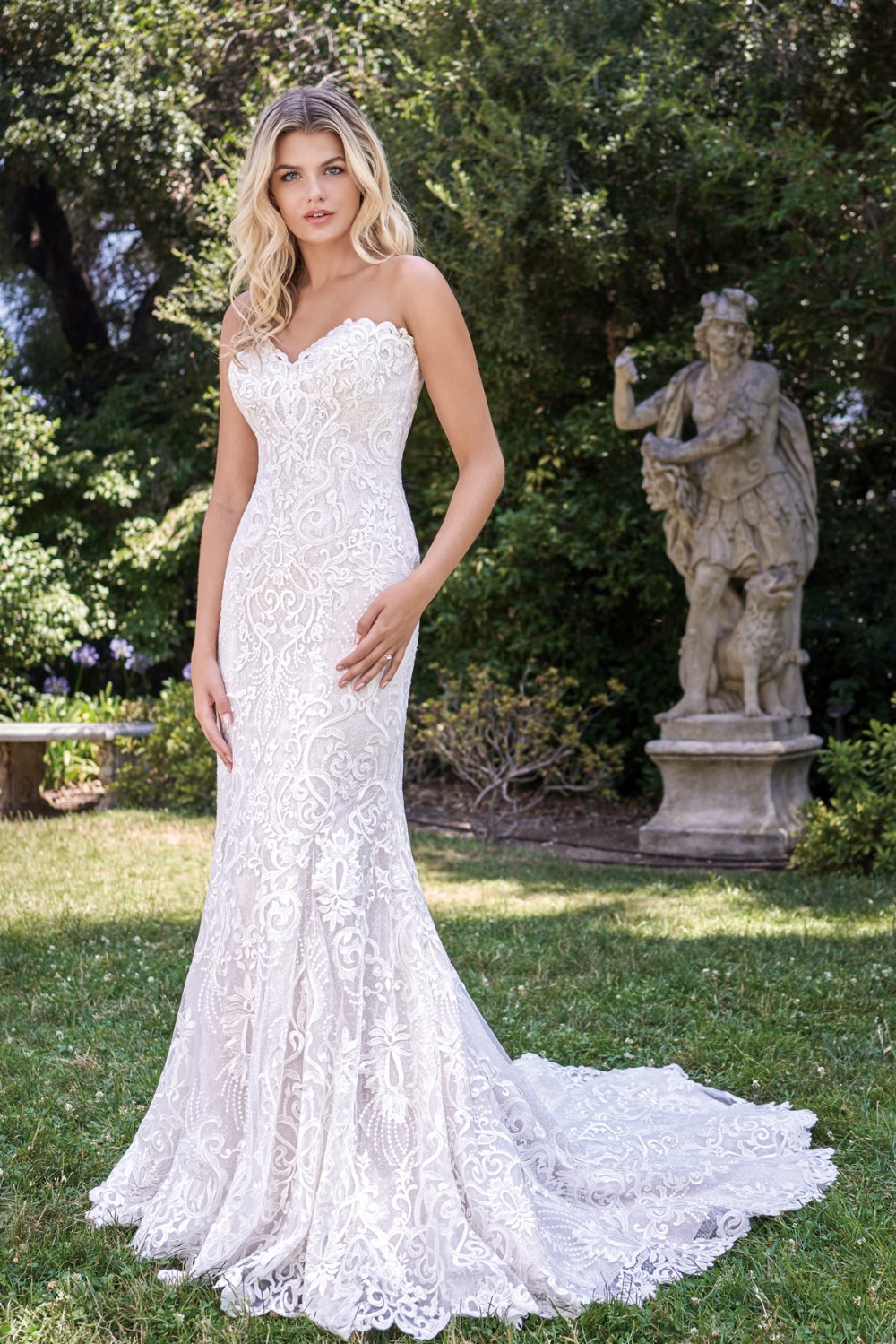Try This Beautiful Dress Syb In Manchester Mo F221010 Romantic Lace Applique Strapless Wedding G In 2020 Strapless Wedding Gown Wedding Gowns Wedding Dress Brands