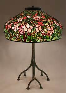 Azalea stained glass lamp