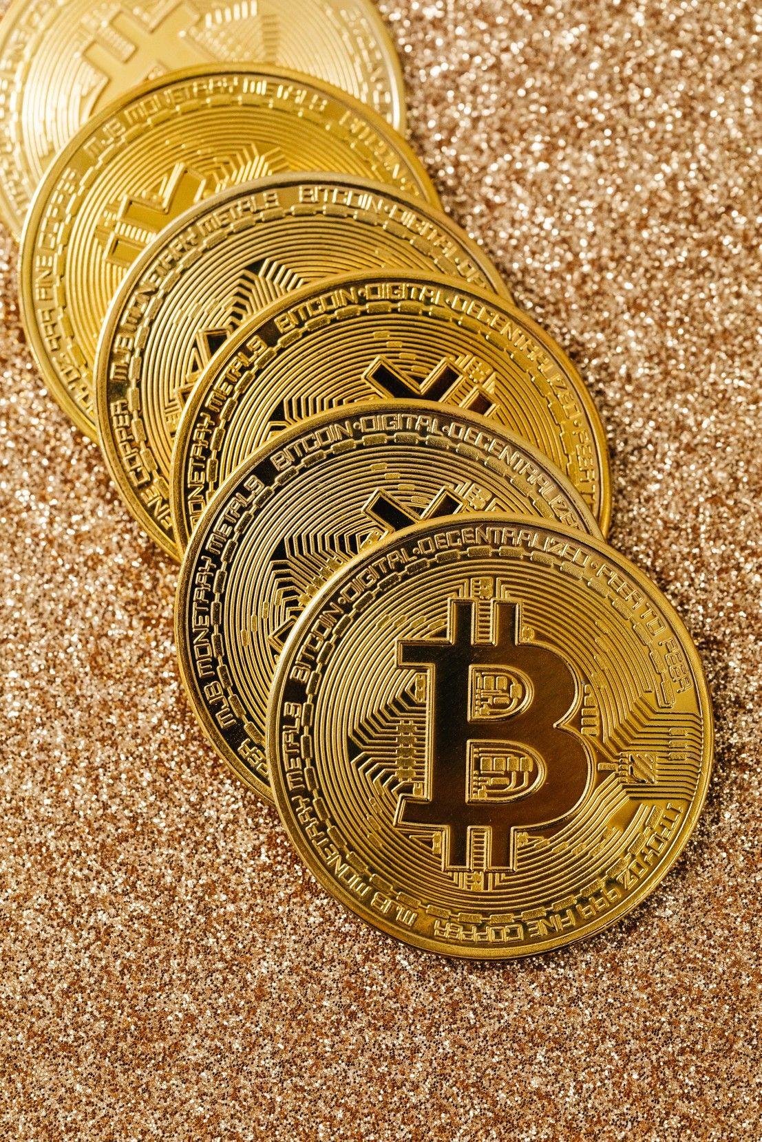 Jovem que ficou milionário à custa da bitcoin diz que moeda digital