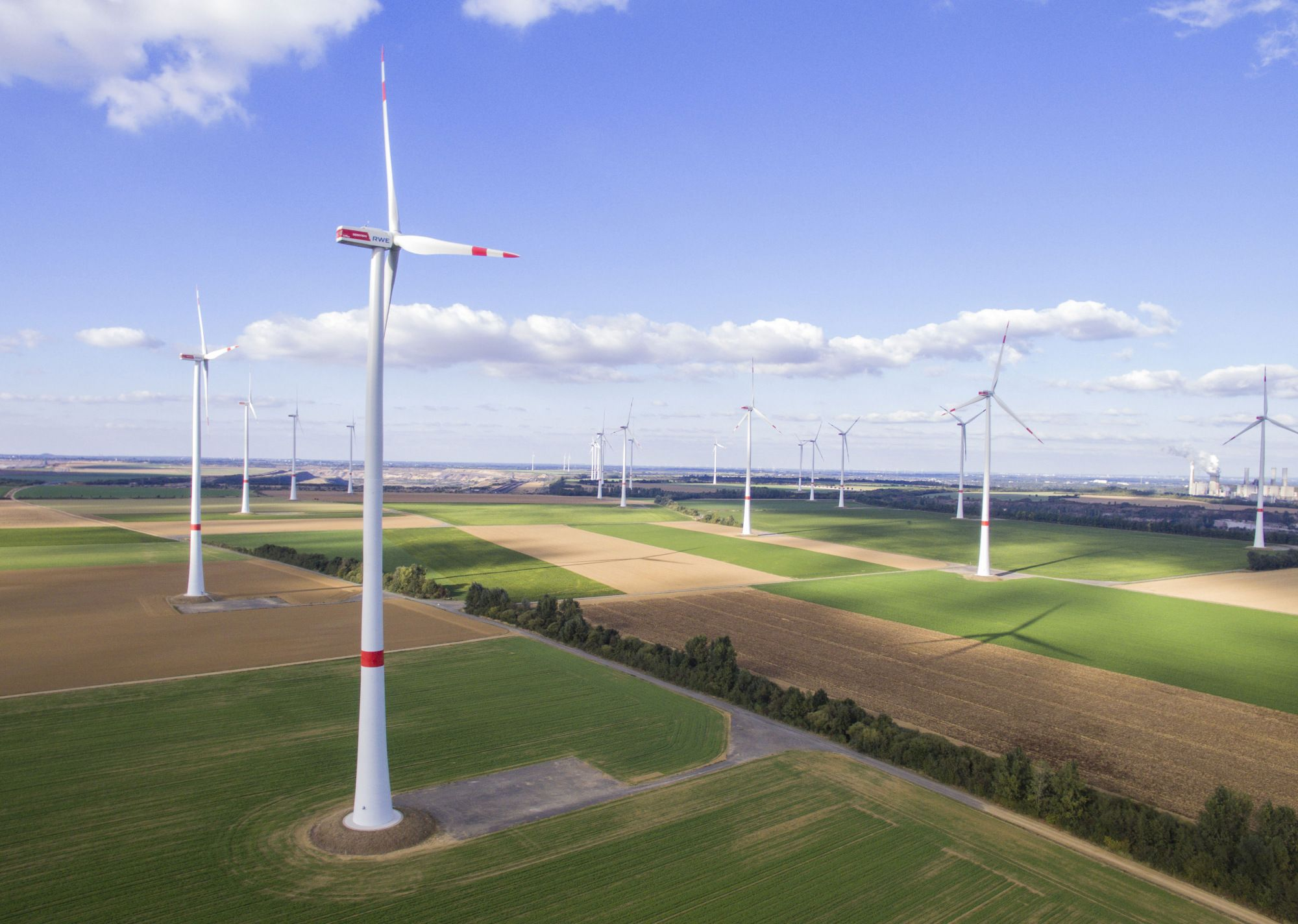 Green energy boom picks up speed even as investment