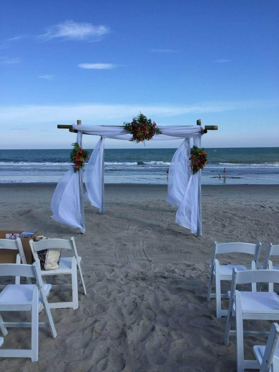 Oceanfront Beach Wedding At The Holiday Inn In Surfside Sc Softer Side Of Myrtle Where You Can Get Married With Your Toes