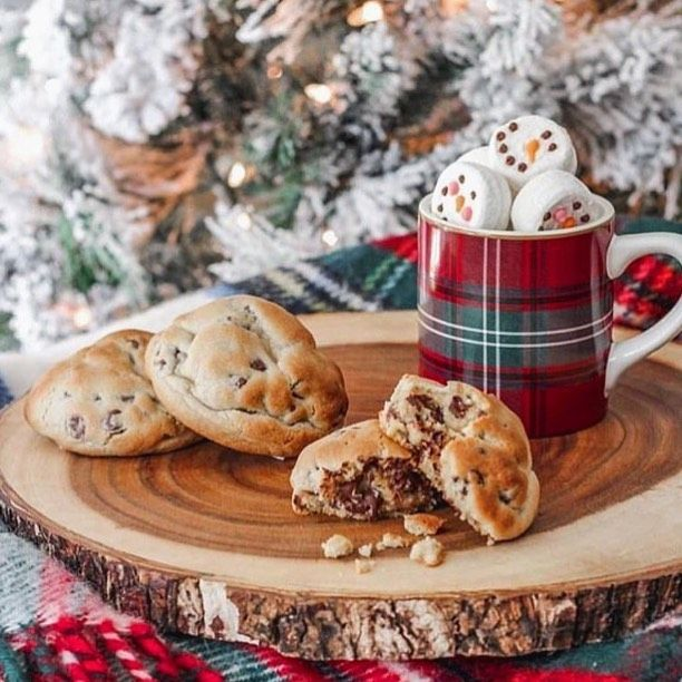 The classic Christmas mood❤️😍🎄❄️I want to eat those Cookies and drink that hot choco...NOW😂😍❤️❄️🎄#christmas