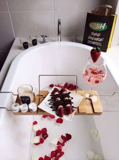Romantic Rose Petal Bath With Wine Candles Chocolate Covered Strawberries 3 Lane Valentine S Day Diy Rose Petal Bath Valentines