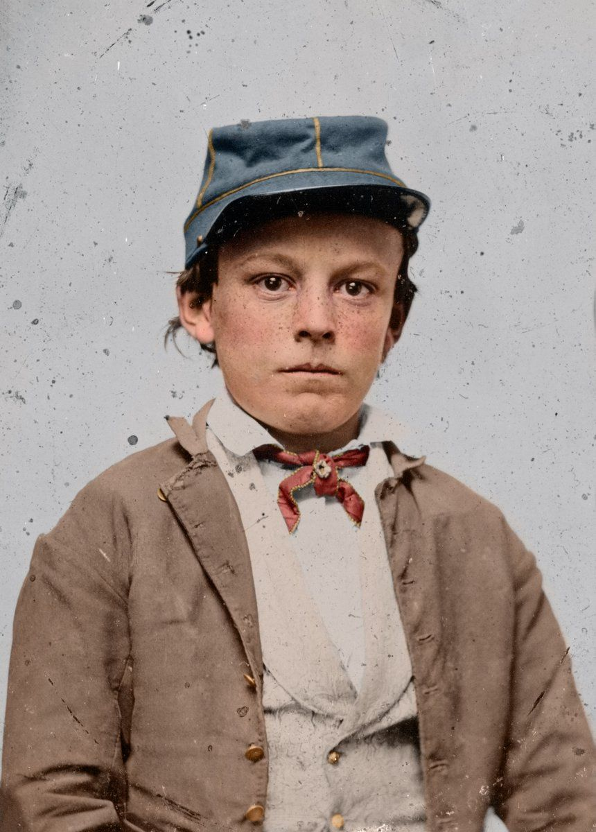 Young unidentified soldier of the Confederate Army wearing an infantry uniform