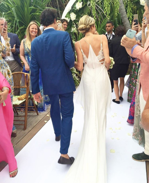 Calvin Klein Wedding Gowns: How To Prepare For Your Wedding Like A Brazilian It Girl
