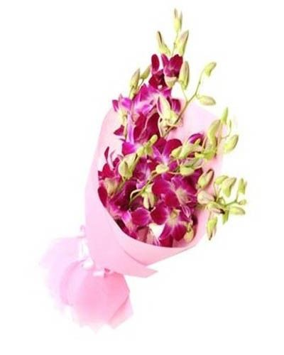 Buy A Bunch Of Beautiful Lavender Orchids Online Bouquet World Online Bouquet Bunch Of Red Roses Orchids Online
