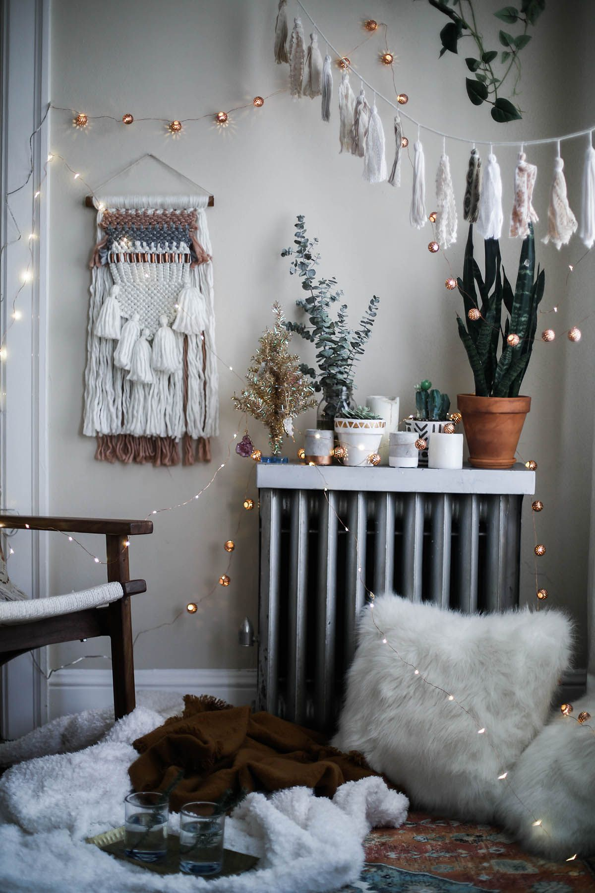 Cozy Bohemian Holiday Decorations With Urban Outers Home Rustic Decor E Boho Style Bedroom Fall