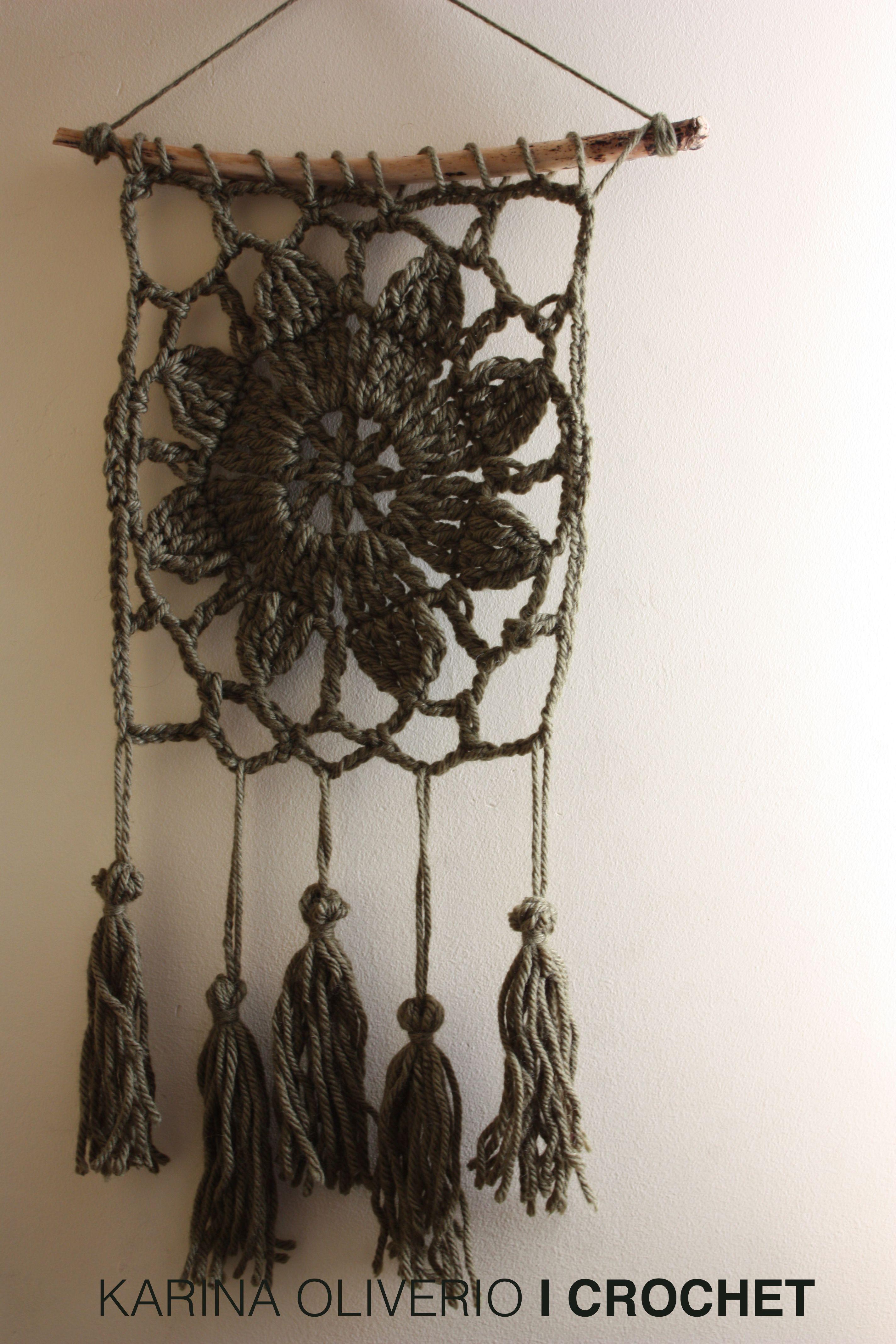 Crochet wall hanging pattern. Tapiz tejido a crochet con patrón ...