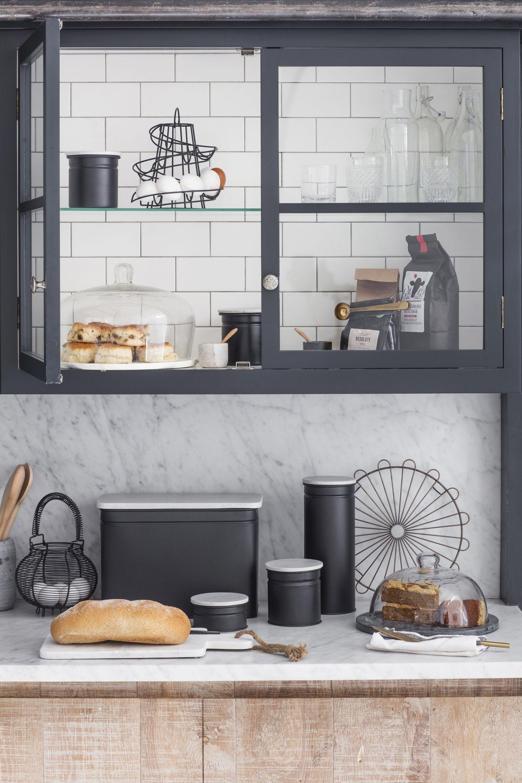 Pomysły Na Przeszklone Szafki Kuchenne Kuchnie W 2019