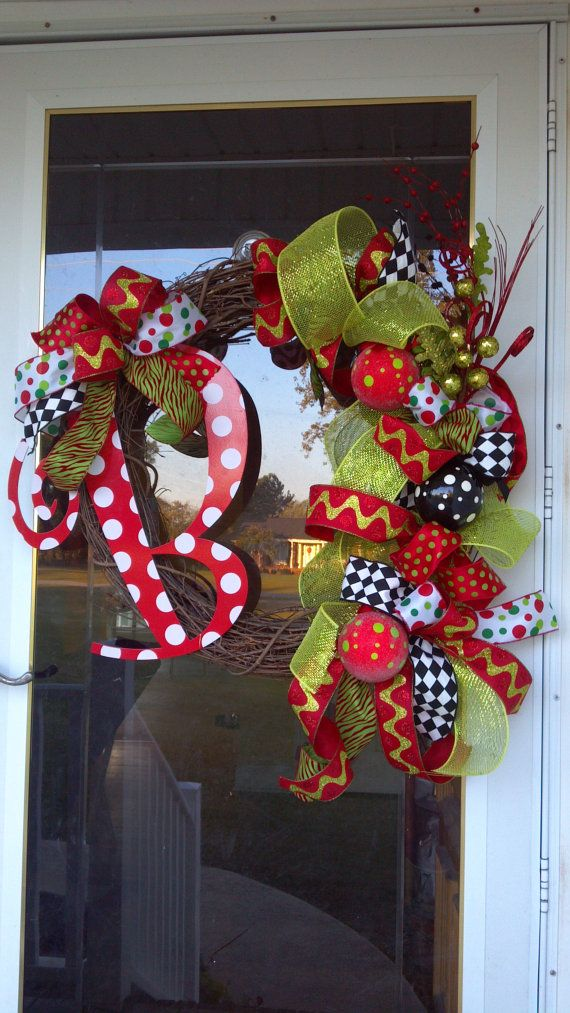 Items similar to Large Customized Letter Wreath on Etsy