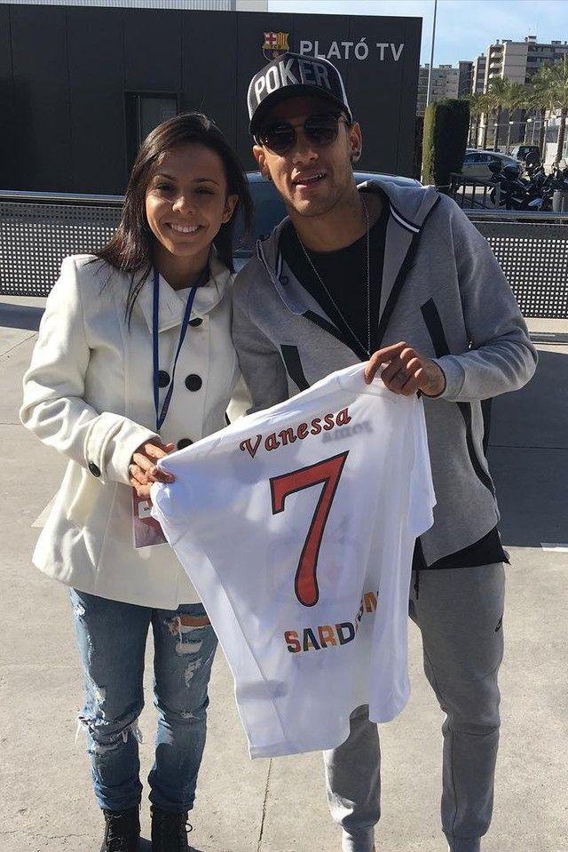 Neymar Jr. wearing Nike Tech Fleece Bonded Windrunner