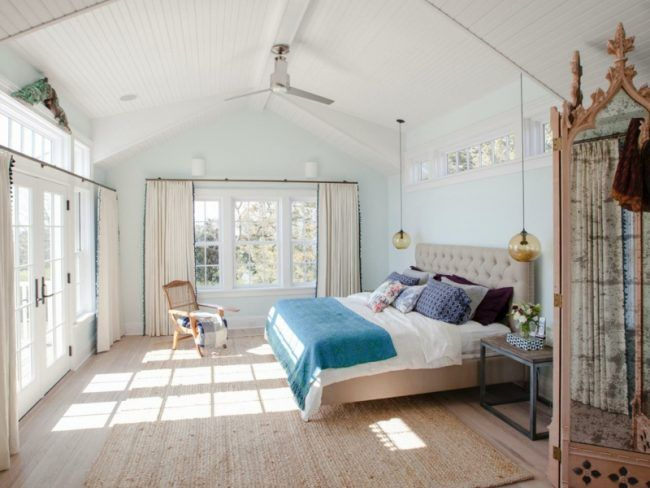 schlafzimmer mit dachschräge vintage holzverkleidung parkett ...