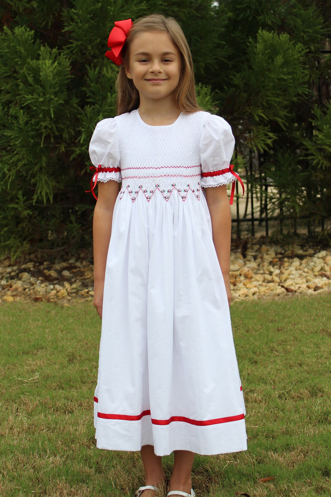 Ivy Smocked Dress Child Embroidery And Patterns