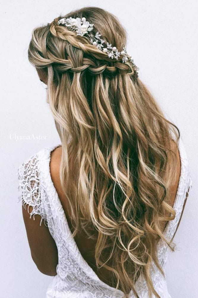 30 Chic Half Up Half Down Bridesmaid Hairstyles Lovehairstyles Com Long Hair Wedding Styles Hair Styles Boho Wedding Hair
