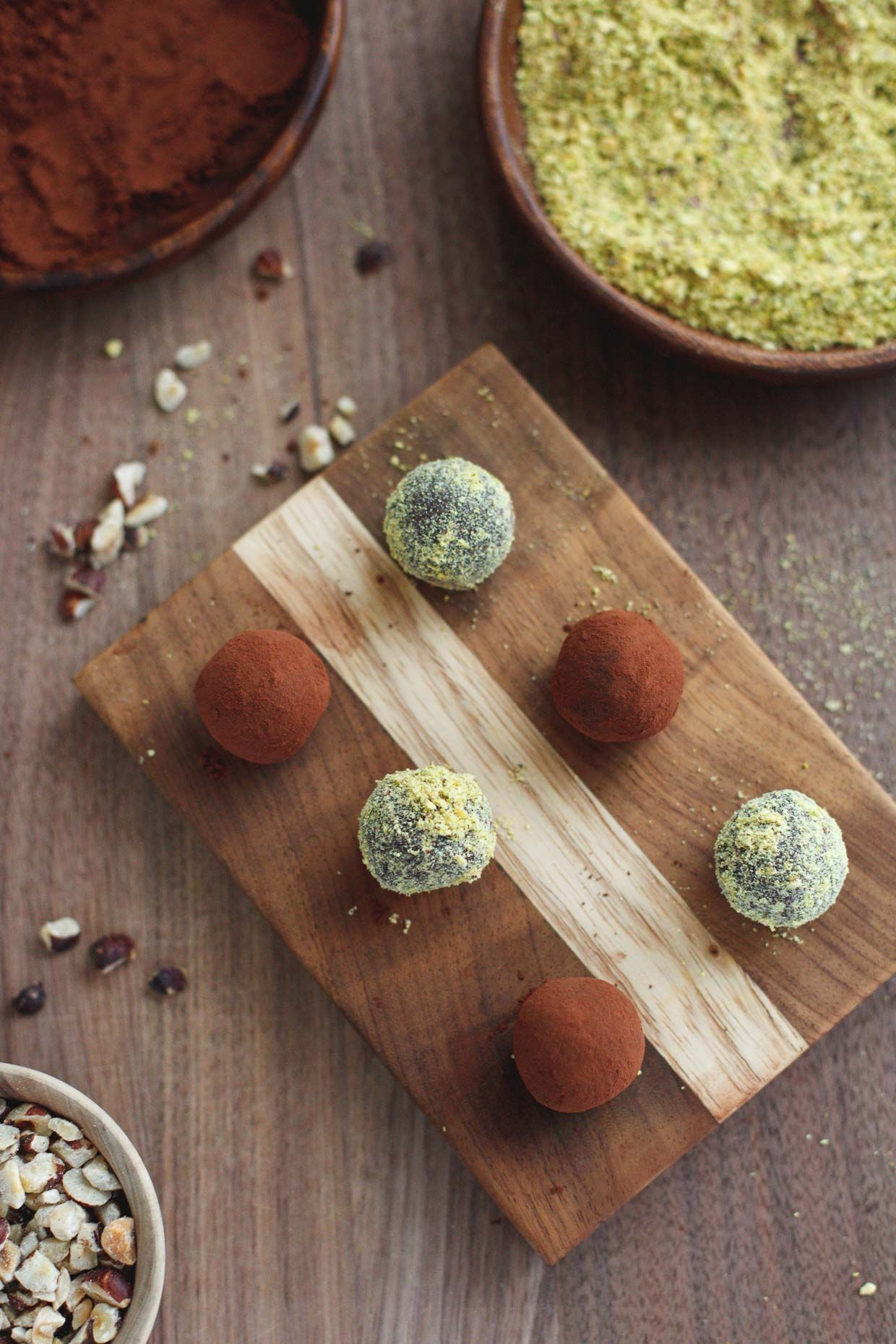 Healthy Nutella and Pistachio Truffles & A (free!) Recipe Book Download #holidayrecipes #sproutbyhp #CIY
