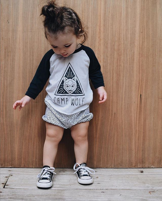 TGIF y'all! 😅 Thank goodness. We made it. Now these bloomers are perfect weekend wear, they match almost everything! 😎 #ewmccall #handmade #shopsmall #kidsfashion #babiekinsmag #ministyle #bloomers
