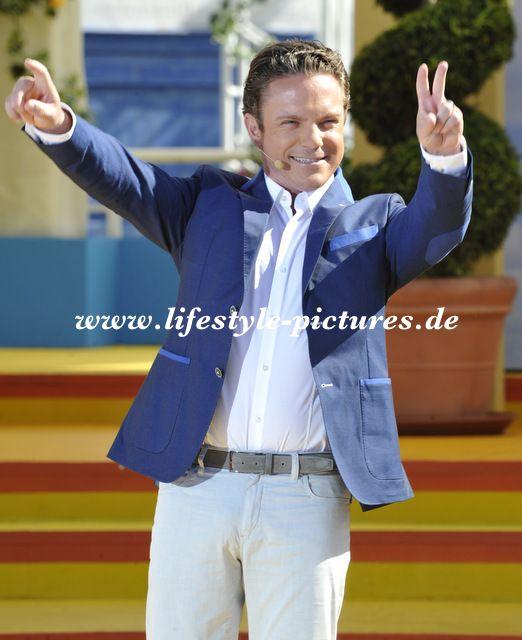 Hochzeiten-Events-Authorisierter Fotograf des Standesamtes in Baden-Baden: Eröffnungs Sendung von Immer wieder Sonntags am 15...