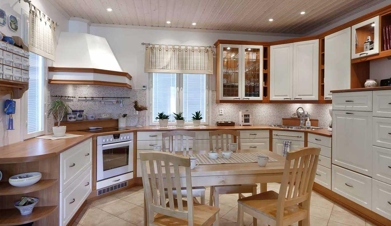 Suosittu keittiömalli loistaa valoisuudellaan ja runsailla kaappitiloillaan. Klassiseen keittiömalliin on helppo yhdistää vaikutteita modernista tai romanttisesta keittiötyylistä. Klassinen keittiö sopii moneen kotiin.