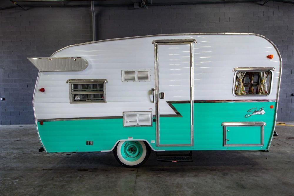 2016 Shasta Airflyte RV 16 Camper