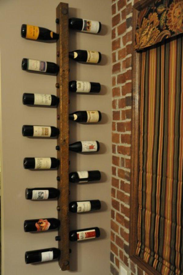 Weinkeller bauen holz  einfaches modell vom weinregal an der wand - ein vertikales brett ...