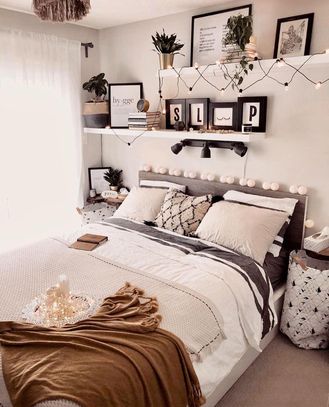 Amazing Isn T This Gorgeous Follow Modernbedspace Follow Modernbedspace Hello Since The Hygge Seas Bedroom Decor Room Decor Simple Bedroom