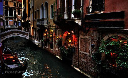 Passeggiando tra ponti canali e rii.. by lorianavescovi  mare acqua arte gondole crepuscolo canali ponti rii Venezia Friuli venezia  Giulia Passeggiando tra