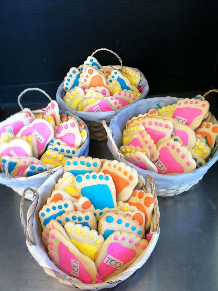 Cookie Gift baskets with a professional theme are edible business ...
