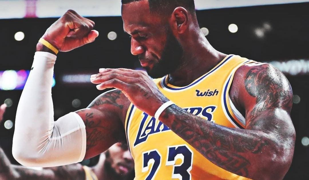 You Can Make Nba Desktop Wallpapers For Your Desktop Computer Backgrounds Window In 2020 With Images Lebron James Wallpapers Mac Screensavers Stock Pictures