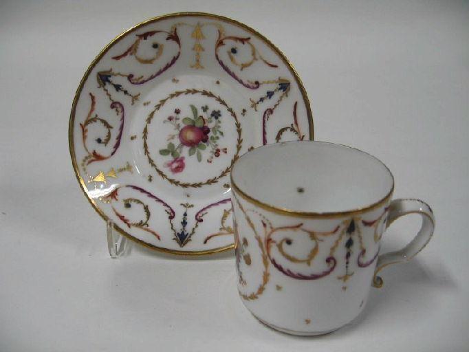 Tasse et soucoupe à chocolat - Chocolate cup and saucer - Bordeaux, France - 1787-1790      http://www.culture.gouv.fr/Wave/image/joconde/0434/m006609_0003709_p.jpg