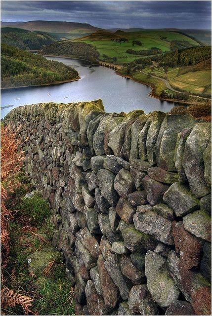 Ladybower Reservoir, Derbyshire, England.