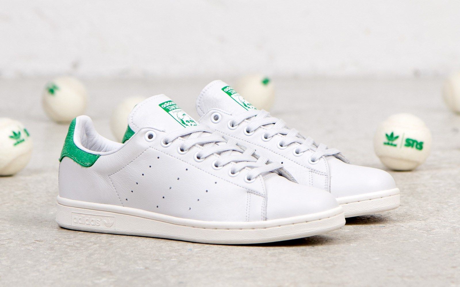 huge selection of 07c1c 22088 The American tennis icon, Stan Smith began wearing the world ...
