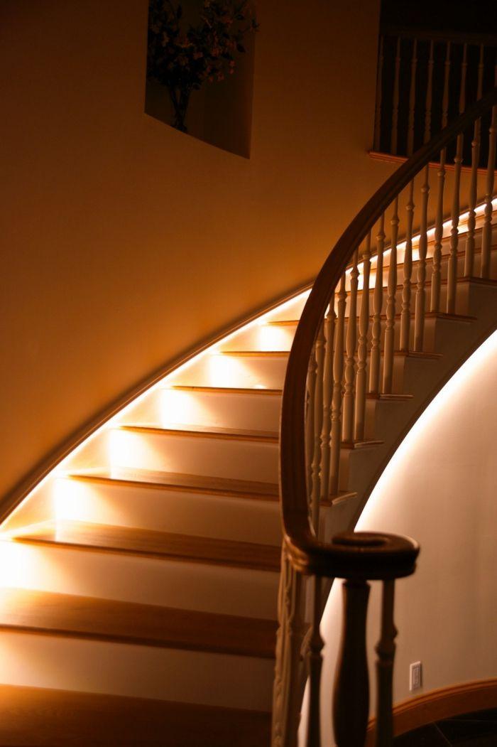 beleuchtung treppenhaus l sst die treppe unglaublich sch n erscheinen wohnzimmer pinterest. Black Bedroom Furniture Sets. Home Design Ideas
