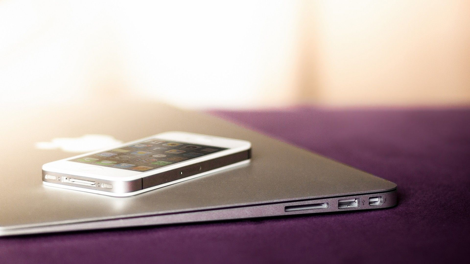 iphone Apple iphone 4s, Iphone, White iphone