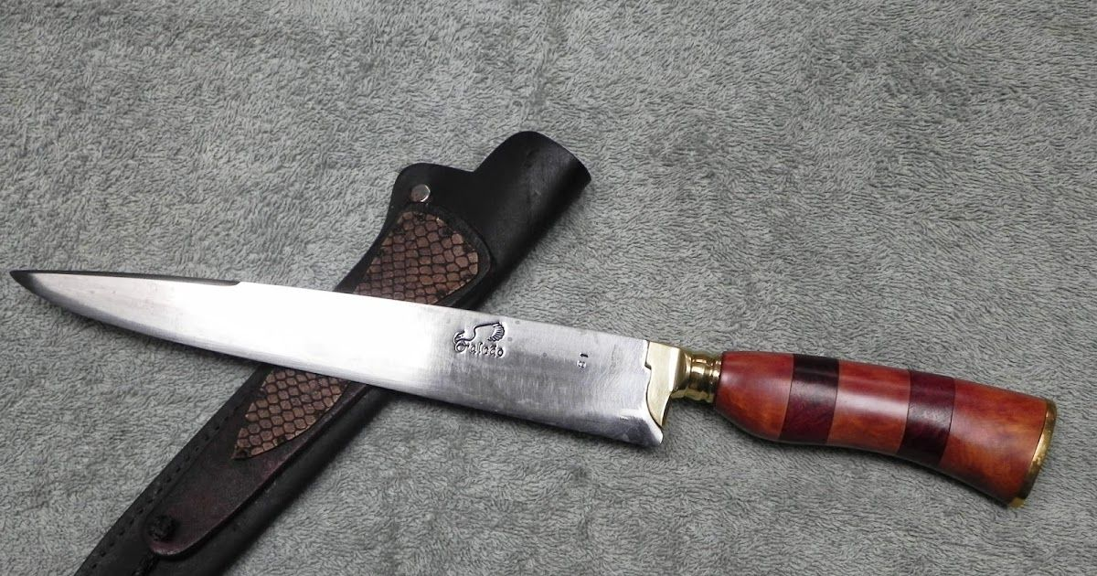 FACA FALCÃO Faca número 81 de uma série de cem facas numeradas do ano de  2012, lâmina em aço carbono 1070 medindo 25x3,5, espessura de 4mm. Cabo em  madeira ... 9726ad7553