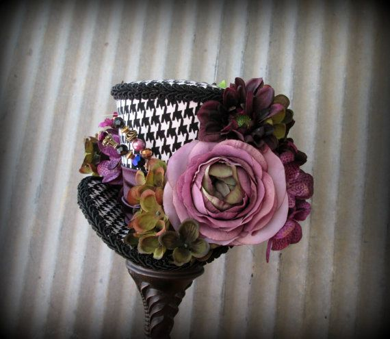 Black and White Mini Top hat, Purple Flower Mini Top Hat, Alice in Wonderland,Tea Party Hat,Mad Hatter Hat,Steampunk, Tea Party Hat