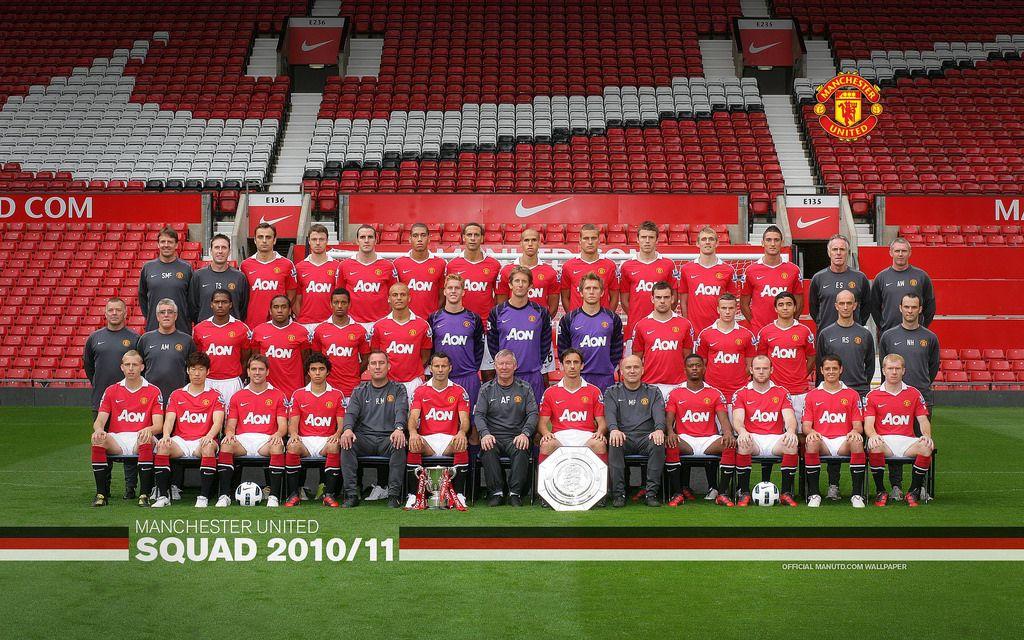 Manchester United 2010 11 Barclays Premier League Squad Wallpaper 2560x1600 16 10 Manchester United Manchester United Team Manchester