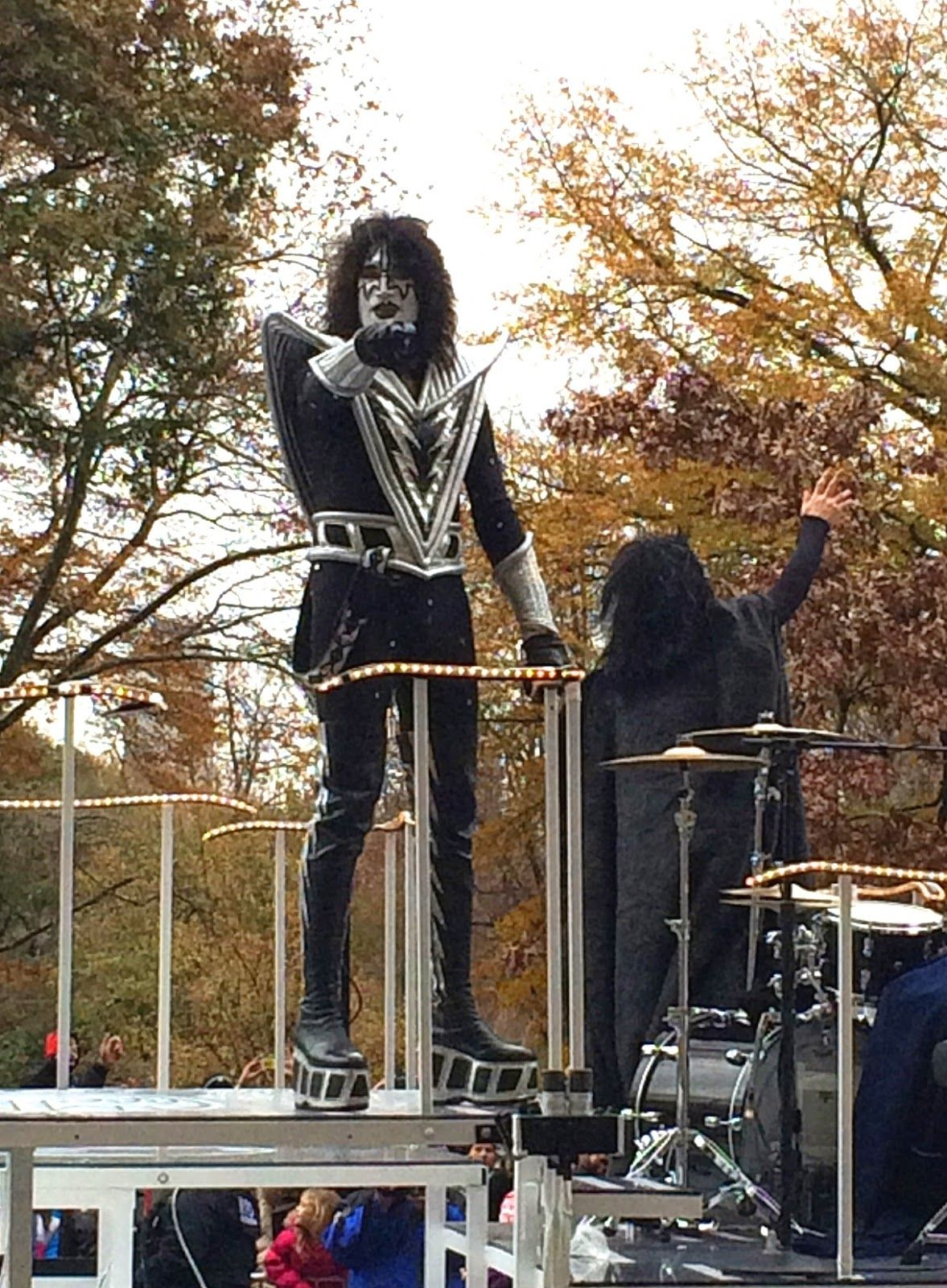 A Member Of Kiss At The 88th Annual Macy S Thanksgiving Day Parade In New York City Thanksgiving Day Parade Macy S Thanksgiving Day Parade Thanksgiving Day