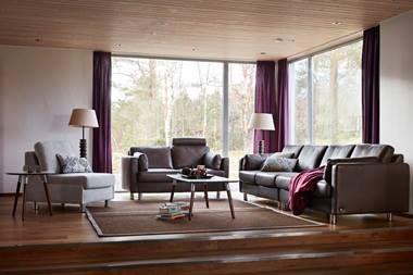 Das Stressless Hat Ein Schlankes, Modernes Design Mit Eleganten Linien Und  Armlehnen. Dieses Modell