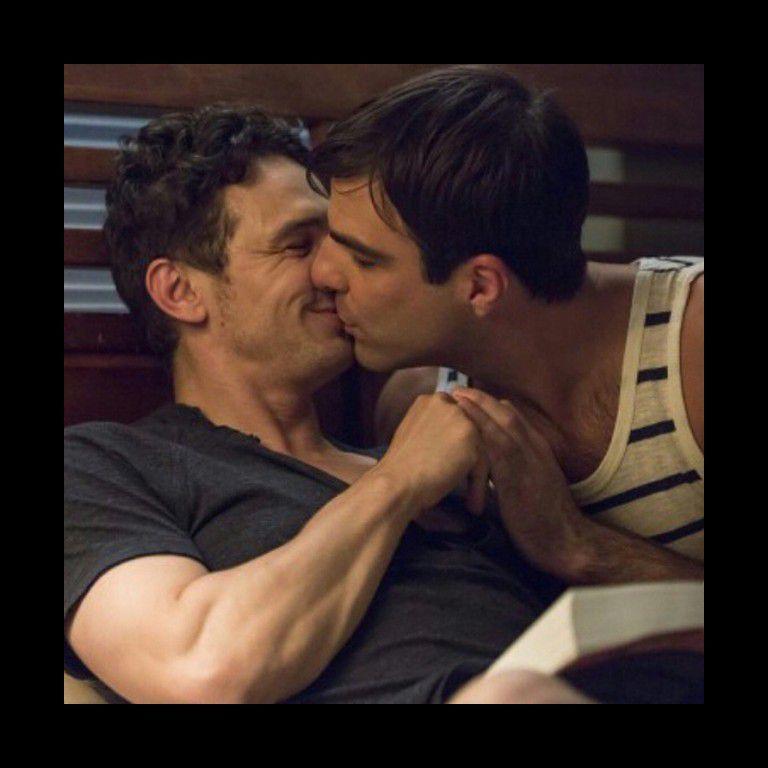"""#JamesFranco beija o ator #ZacharyQuinto em novo filme — """"I am Michael""""."""