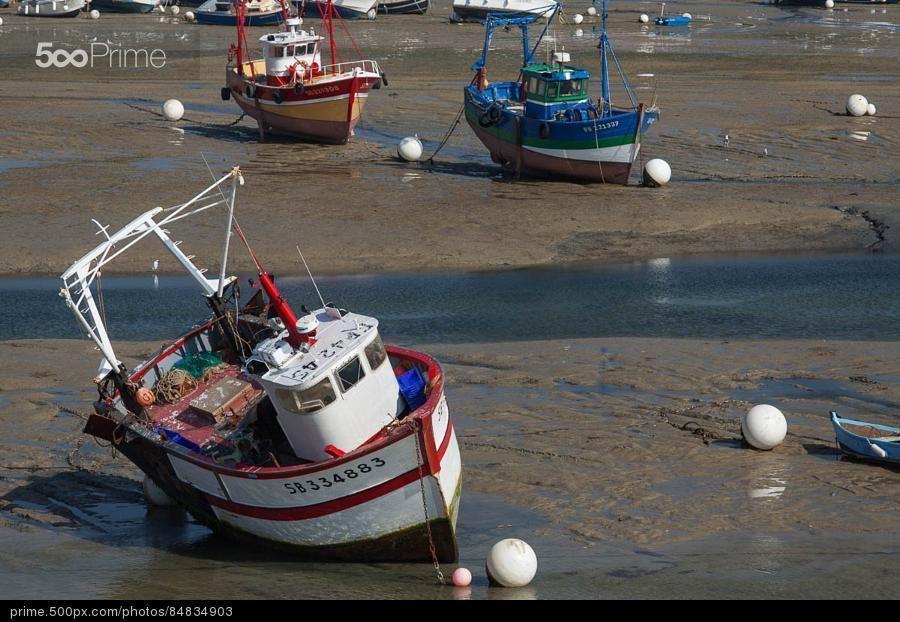 Bateaux de p che pos sur la vase mar e basse dans le petit port d 39 erquy c tes d 39 armor - Port de peche cote d armor ...
