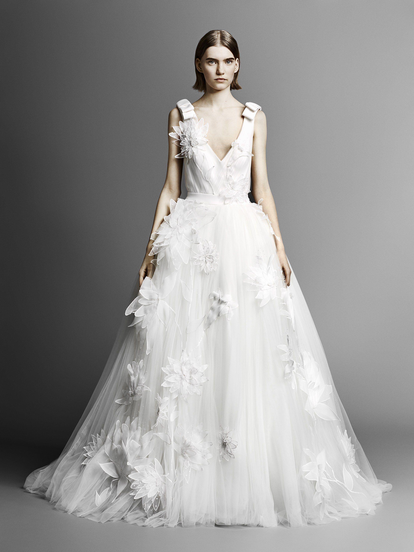 b8b43d78112a0 Viktor & Rolf Bridal Spring 2019 Fashion Show | Weddings | Wedding ...
