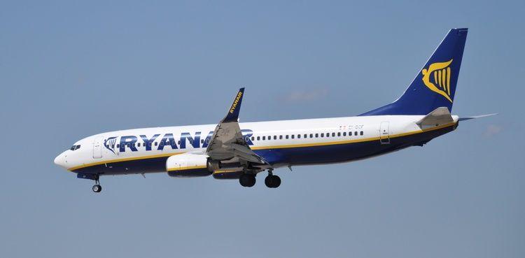 Ryanair Boeing 737-800.jpg