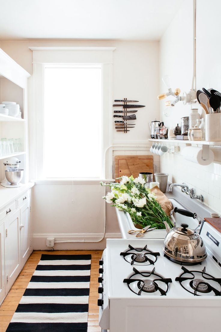 маленькая белая кухня   Baċɦɛʟօʀɛttɛ ɦaʋɛռ ®   Pinterest